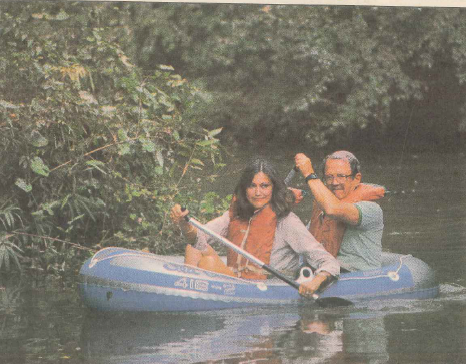 Frank Smith Jr. and Glenda Barrett, then president of The Park People, on Buffalo Bayou in a photo taken by Michael Boddy and published in the Houston Post, Jan. 27, 1985. The article was part of a series on Houston environmentalists by Post reporter Harold Scarlett.